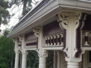 porch with corbels zoomed in